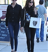 Dakota Johnson Shopping in Los Angeles - December 27