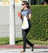 Dakota Johnson Shopping in Beverly Hills - January 7