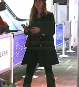 Arriving_at_LAX_Airport_-_December_13-04.jpg