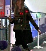 Arriving_at_LAX_Airport_-_December_13-05.jpg