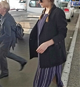 Arriving_at_LAX_Airport_-_June_1-06.jpg