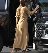 Arriving_at_a_studio_in_Hollywood_-_November_171.jpg