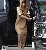 Arriving_at_a_studio_in_Hollywood_-_November_173.jpg