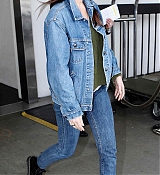 Arriving_for_Her_flight_into_Los_Angeles_-_March_12.jpg