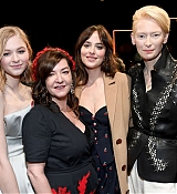 Dakota_Johnson_-_34th_Film_Independent_Spirit_Awards_in_LA_-_February_2315.jpg