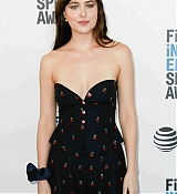 Dakota_Johnson_-_34th_Film_Independent_Spirit_Awards_in_LA_-_February_2318.jpg