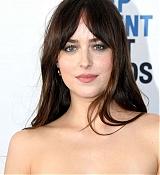 Dakota_Johnson_-_34th_Film_Independent_Spirit_Awards_in_LA_-_February_235.jpg