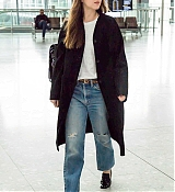Dakota_Johnson_-_At_Heathrow_Airport_to_Los_Angeles_in_London2C_England_-_October_172C_2018-02.jpg