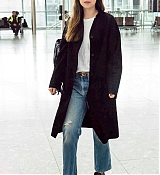 Dakota_Johnson_-_At_Heathrow_Airport_to_Los_Angeles_in_London2C_England_-_October_172C_2018-03.jpg