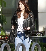 Dakota_Johnson_-_At_Sony_Pictures_Studios_in_Los_Angeles_on_May_17-03.jpg