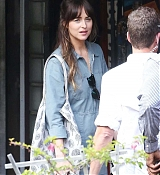 Dakota_Johnson_-_Filming__Covers__in_a_convenience_store_in_Los_Angeles2C_CA_28June_162C_201929-01.jpg