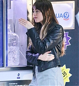 Dakota_Johnson_-_Filming__Covers__in_a_convenience_store_in_Los_Angeles2C_CA_28June_162C_201929-03.jpg