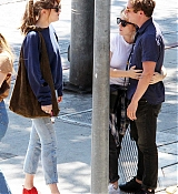 Dakota_Johnson_-_Goes_for_lunch_and_shopping_in_Los_Angeles_on_August_22-10.jpg