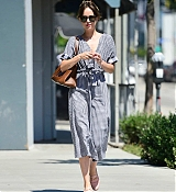 Dakota_Johnson_-_Out_in_Los_Angeles_07142019-04.jpg