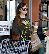 Dakota_Johnson_-_Spotted_out_with_a_pal_grocery_shopping_in_Los_Angeles2C_CA_-_May_1400001.jpg