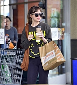 Dakota_Johnson_-_Spotted_out_with_a_pal_grocery_shopping_in_Los_Angeles2C_CA_-_May_1400005.jpg