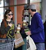 Dakota_Johnson_-_Spotted_out_with_a_pal_grocery_shopping_in_Los_Angeles2C_CA_-_May_1400007.jpg
