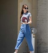 Dakota_Johnson_-_spotted_leaving_Thibiant_in_Beverly_Hills2C_California_-_July_112C_2018-04.jpg