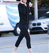 Leaving_a_gym_in_Los_Angeles_-_December_133.jpg