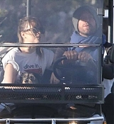 Out_with_Chris_Martin_in_Malibu_-_March_500005.jpg