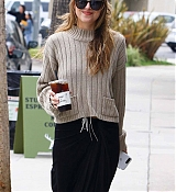 Picking_Up_Coffee_in_LA_-_May_1800004.jpg