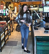Shopping_In_Los_Angeles_-_March_23-01.jpg