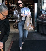 Shopping_In_Los_Angeles_-_March_23-02.jpg
