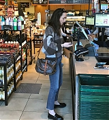 Shopping_In_Los_Angeles_-_March_23-04.jpg