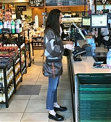 Shopping_In_Los_Angeles_-_March_23-06.jpg