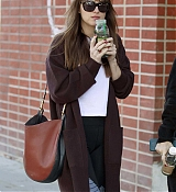 Spotted_stopping_by_a_juice_shop_in_Los_Angeles_-_November_122.jpg
