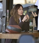 Spotted_stopping_by_a_juice_shop_in_Los_Angeles_-_November_123.jpg